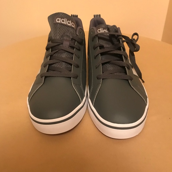 ADIDAS men's gray/white low cut walking shoes NEW